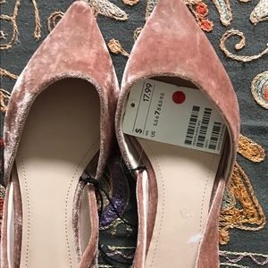 Flat velvet pink shoes from H&M